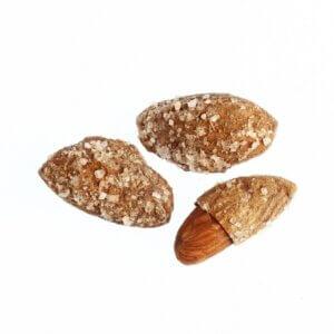 Αμύγδαλα με κέλυφος ψημένα με χονδρό αλάτι • karpos.gr